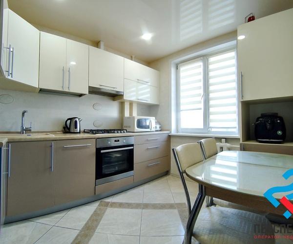 ул. Горецкого, 41 Продажа 3-ех комнатной  квартиры со встроенной кухней и бытовой техникой!