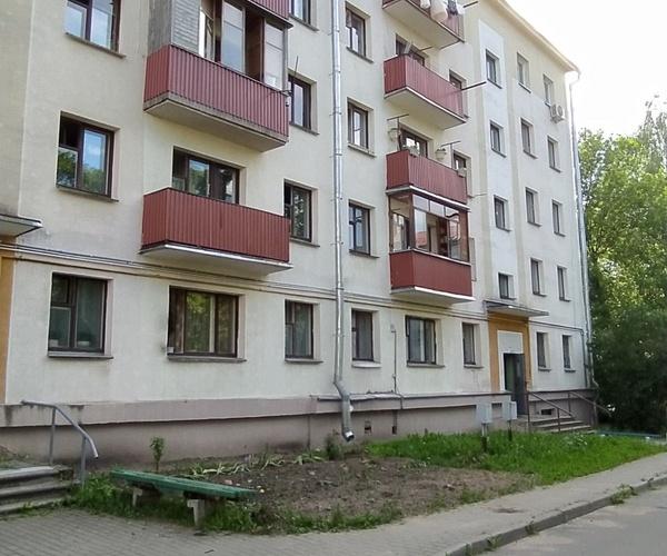 Ул. Кнорина, 13 Продажа 2-комнатной квартиры.